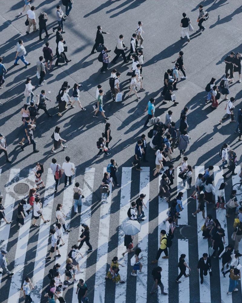 People walking and earning Sweatcoins