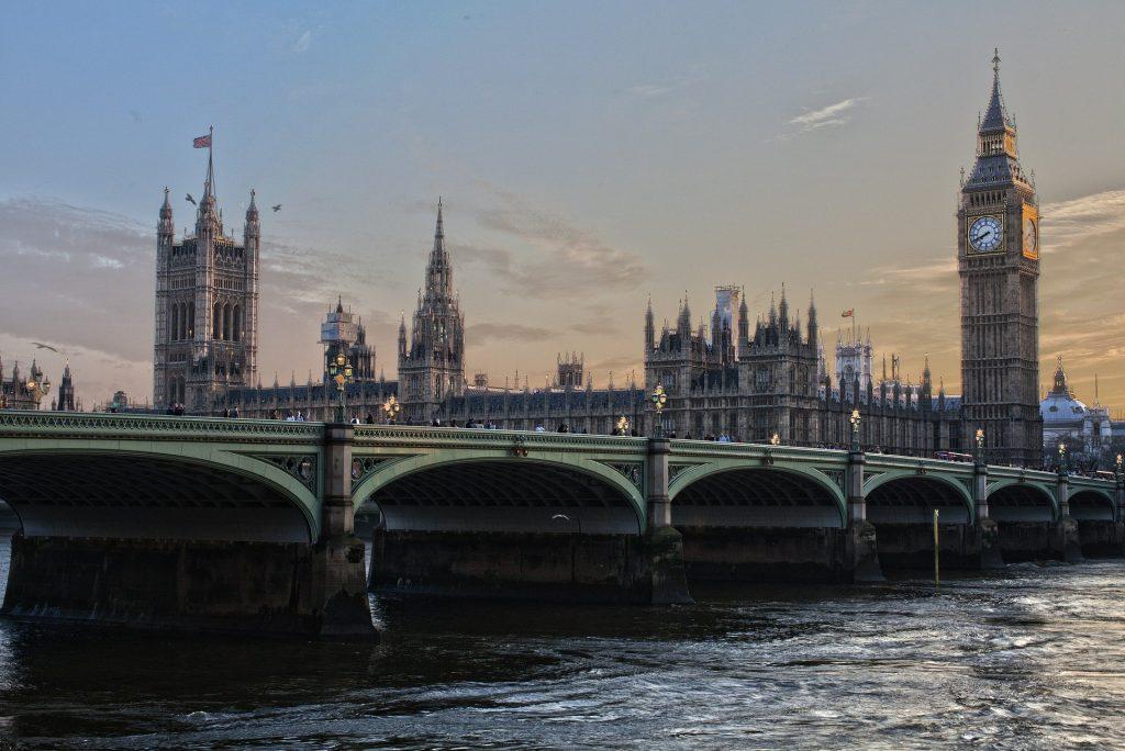 Thames walk parliament